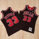 Camiseta auténtica de la 2ª equipación alternativa Chicago Bulls Scottie Pippen 1996-97 de Mitchell & Ness Outlet Leganes