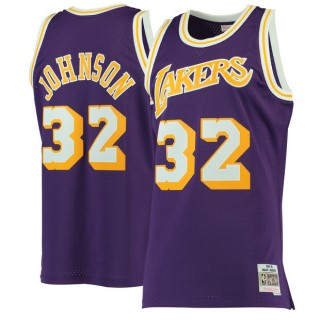 Hombre Los Angeles Lakers Magic Johnson Mitchell & Ness Púrpura 1984-85 Hardwood Classics Swingman Camiseta Tienda