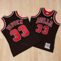 Camiseta auténtica de la 2ª equipación alternativa Chicago Bulls Scottie Pippen 1996-97 de Mitchell & Ness Outlet Leganes