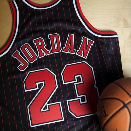 Chicago Bulls Michael Jordan 1996-97 Alternate 50th Anniversary Authentic  Camiseta By Mitchell   Ness Madrid Precio 48a99b39ee3aa